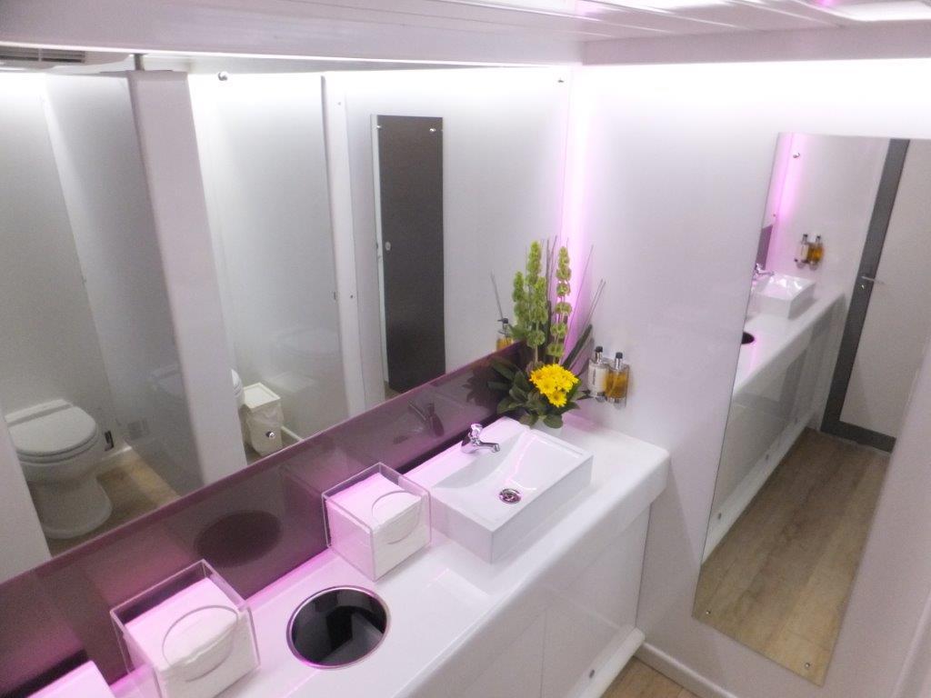 platinum toilet trailer 070