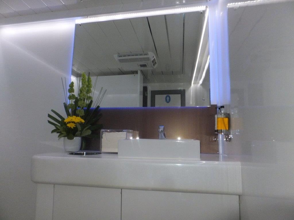platinum toilet trailer 108